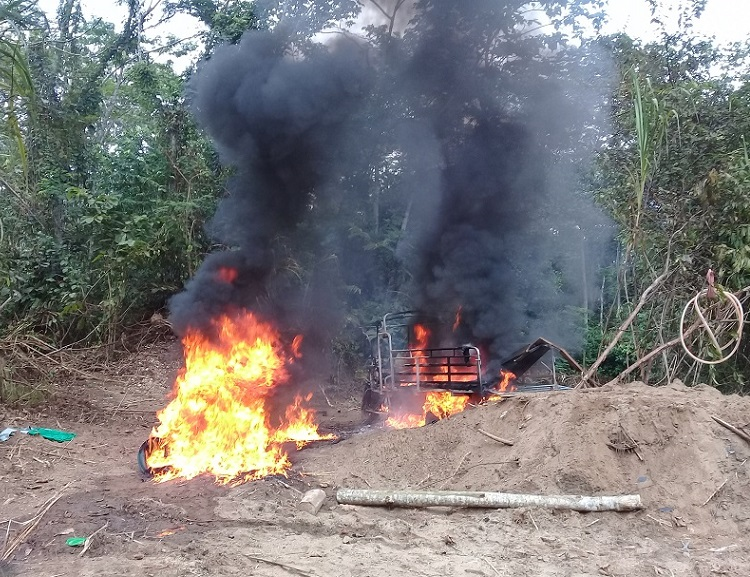 Real-time technology helps stop illegal mining operation in the Peruvian Amazon